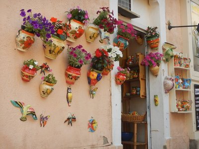 Menton is often 10 degrees warmer than neighboring parts of France and is said to have 316 days of sunshine per year