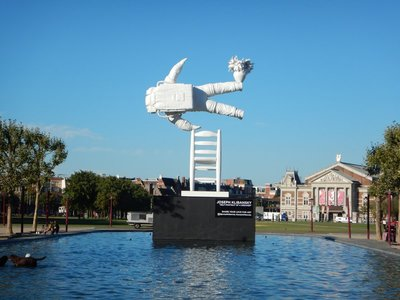 The Museumplein is a large green space around which the Rijksmuseum, Van Gogh Museum, Stedelijk Museum and Concert House are located