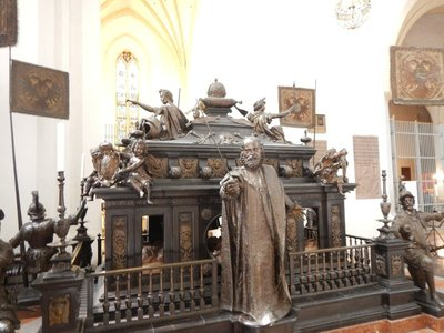 This monument, in the Frauenkirche, honors Ludwig IV the Bavarian (1282-1347) who was elected Holy Roman Emperor; since I've visited the city several times before I skipped some sights you should see like Dachau