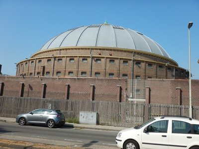 This dome is an unusual parking garage; in 1658, Peter Stuyvesant, the Director-General of the Dutch colony of New Netherland, founded the settlement of New Haarlem in the northern part of Manhattan Island as an outpost of New Amsterdam