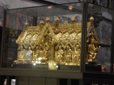 The Shrine of St. Mary (1239) contains the four great relics of the Aachen Cathedral; every 7 years they are taken out and put on display