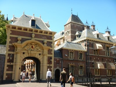 The Stadtholder's Gate, 1620, to the Binnenhof; in the early 1800s, it came close to demolition when the Netherlands was ruled by France making the Binnenhof obsolete