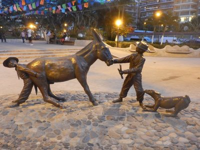 There are lots of art galleries and a strong arts community in PV; dozens of interesting sculptures scattered about