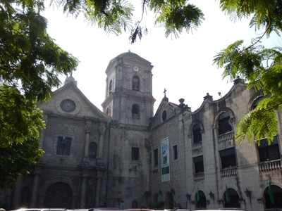 San Agustin Church, completed in 1607, was the only building left intact after the destruction of old Manila during WW2 and is the oldest church in the Philippines