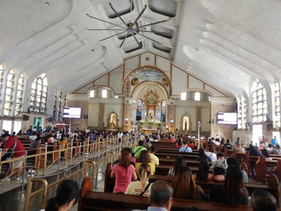 1933 Quiapo Church; Lonely Planet says Manila has outstanding sightseeing but unless you're into shanty towns I'd have to disagree