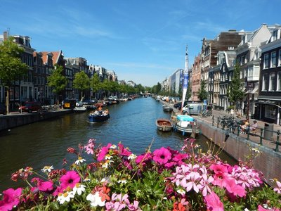 Strolling past the canals in Amsterdam brought back fond memories of my first trip back in 1990 with Tim and Sandy after UCLA graduation; the city is still packed with tourists in the summer