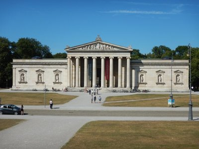 The Glyptothek is a museum which was commissioned by the Bavarian King Ludwig I to house his collection of Greek and Roman sculptures; you could spend weeks just visiting the many museums here