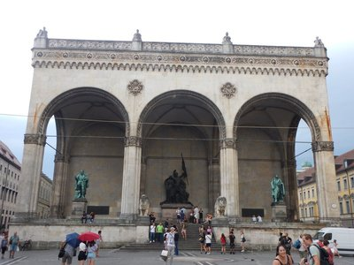 This monumental loggia, Feldherrnhalle, was commissioned by King Ludwig I in 1841; it was the site of the brief battle that ended Hitler's Beer Hall Putsch in 1923