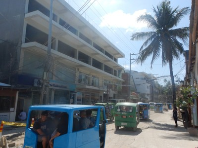 Typical scene along the main road in Boracay; I think the island needs to halt new hotel construction until it's infrastructure can catch up with all of the growth