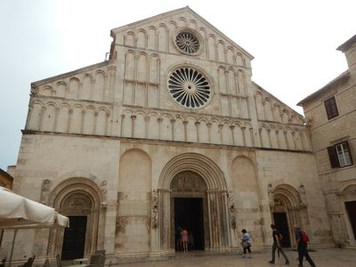 Saint Anastasia's Cathedral built in the 12th to 13th century (high Romanesque style) is the largest cathedral in Dalmatia