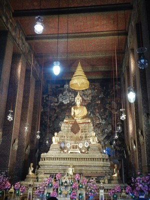 The Temple of Emerald Buddha was completed in 1784, but like most other Thai temples, looks as if it could have been built yesterday