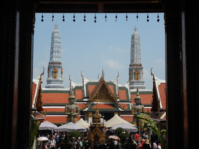 Despite hundreds of buildings in the Grand Palace complex there are only 2 that tourists can enter; with hordes of tourists everywhere, it feels like a zoo or Disneyworld and kind of ruins the experience