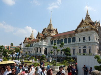 While the Thai king no longer lives in the Grand Palace, a large part of the complex is reserved for royal residences and ceremonies and is off-limits to tourists
