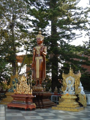 Wat Phra That Doi Suthep can get 120,000 visitors per month, with numbers being higher during holidays like Songkhan and Visakha Bucha Day when local people climb the mountain and sleep on the esplanade of the temple to commemorate the birth of the Buddha