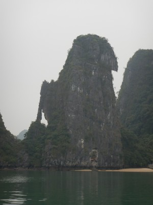 The monoliths had intricate designs with arches, caves, lakes and unique shapes; I tried to imagine the bay with blue skies and turquoise waters