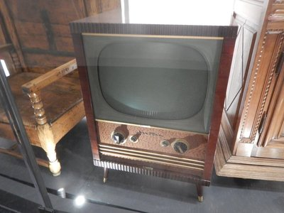 1947 television made in Quebec City; the exchange rate now is 80 US cents for $1 CAD; despite this, prices for Coke Zero were high