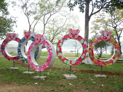 Hue had a great deal of public art and a very attractive riverside park; even though the city was dirty in places, the tourist destinations were much cleaner than other stops on our tour