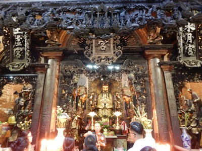 The Jade Emperor Pagoda is one of the most atmospheric temples in the city; the exquisite woodcarvings and the pungent smell of incense made the pagoda feel very authentic
