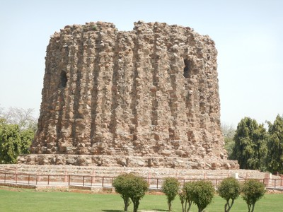 Alāʾ ud-Dīn Khaljī was the second and most powerful ruler of the Khalji dynasty that ruled the Delhi Sultanate from 1296-1316; he set out to build a tower twice as high as Qutub Minar but he died after only 24.5 m was built