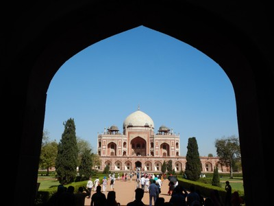 Built starting in 1562, the tomb of Humayun (the second Mughal emperor) is considered a prototype for the Taj Mahal; it is estimated that 49% o locals live in slums while almost 22% o the people do open defecation