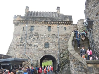 1584 Portcullis Gate and Argyle Tower at Edinburgh Castle; envied weather Jeff and Tamara had for their visit