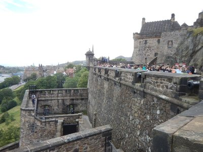 Sheer cliffs to the north and south with a steep ascent from the west made Edinburgh Castle a logical fortress; the only easy access is from the east where gates were built