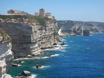 Bonifacio was conquered by the French in 1553 but was later reconquered by the Genoese; the town ended up falling definitively under French rule in the 18th century