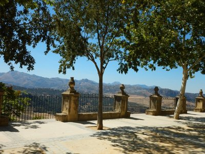 Great views from the nice public gardens; it was hot so people flocked to the park benches in the shade