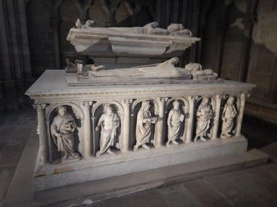 The Basilica has the most significant group of funerary sculptures from the 12th to 16th century in Europe