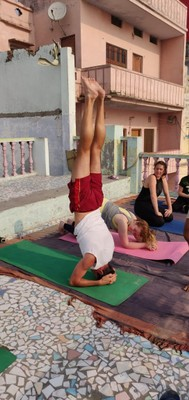 After a sunrise boat trip on the Ganges, everyone on the tour except me took a yoga class; Jonathan accomplished his first headstand