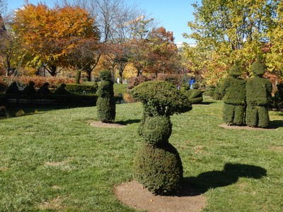 Having just seen the original painting of A Sunday Afternoon on the Island of La Grande Jatte in Chicago it was amazing to see a park created out of topiaries to mimic the painting; sculpted in 1989, this is one of the most unique parks I've ever seen