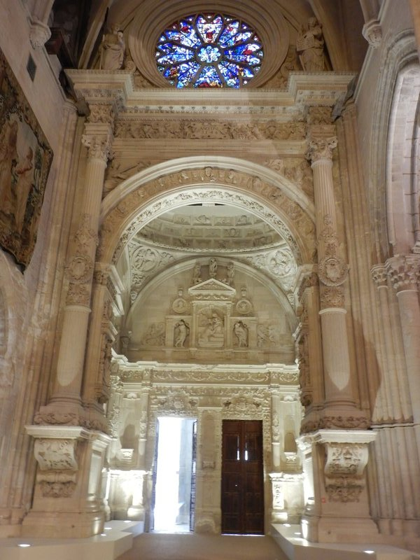 Renaissance archway carved in marble is the most impressive interior element of the cathedral