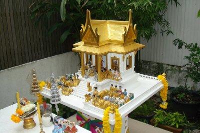 thailand-international-tours-thai-spirit-houses_04