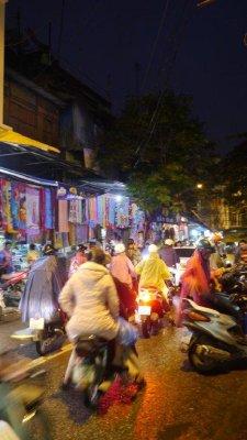 Hanoi_by_night.jpg