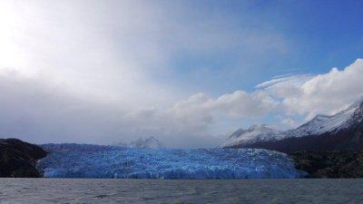 Lago_Grey.jpg
