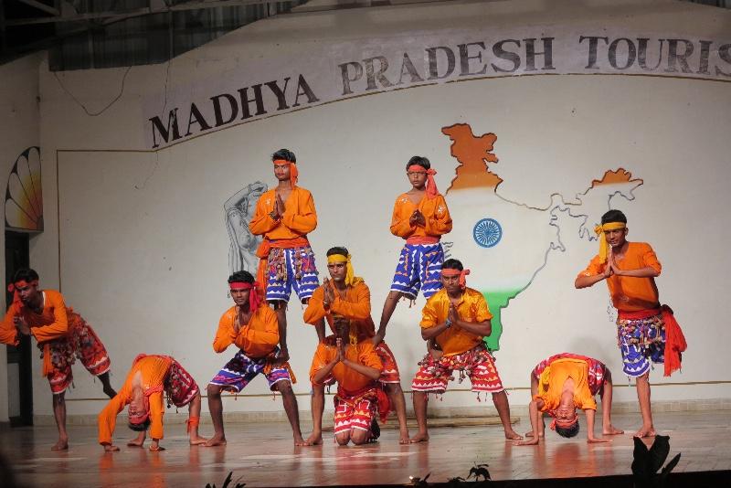Khajuraho - Vishnu Program - Guys