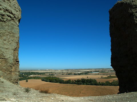 Solar eclipse at Oreja Castle