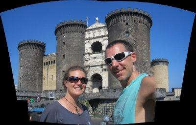 Castle_in_Naples.jpg