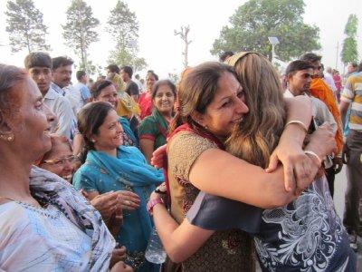 Hugs_for_Robin.jpg