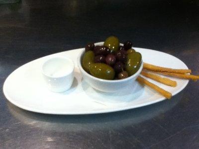 oliven og hjemmelaga grissini (jobb)