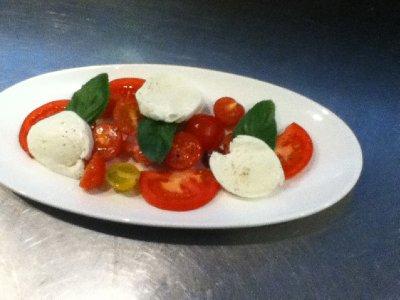 enkel tomatsalat (jobb)