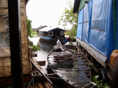 LIFE AFLOAT IN HOUSEBOATS...