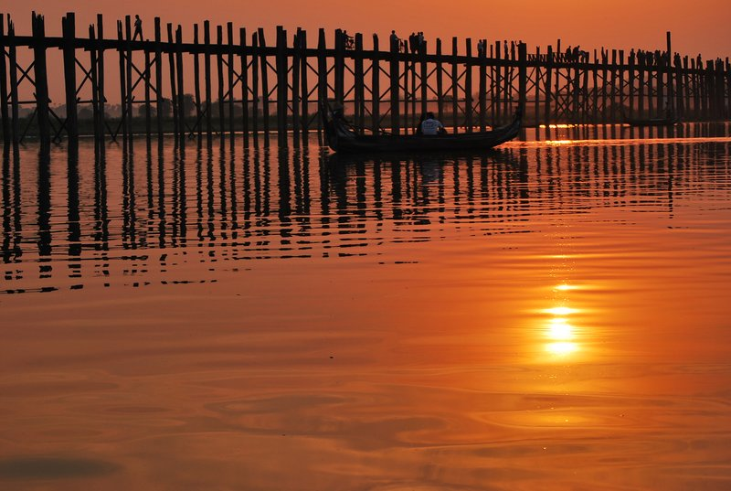 U-Bein bridge at sunset
