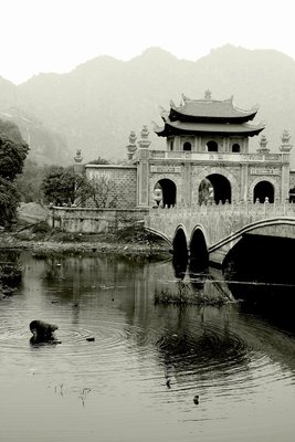 Bridge to Hoa Lu