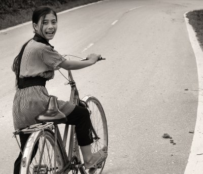 I meet a younger cyclist on the road to Bac Ha, NE Vietnam
