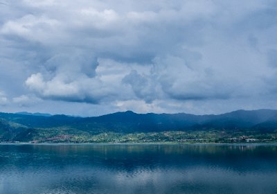 Brooding skies over Chenghai Lake