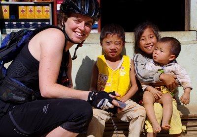 I meet the locals at a tea stop en route to Kiu Kucham