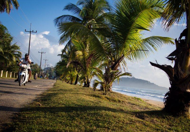 Coast road at Ban Krut