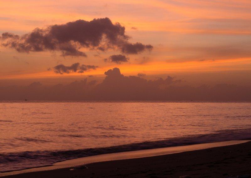 Sunrise on Lam Sai Beach