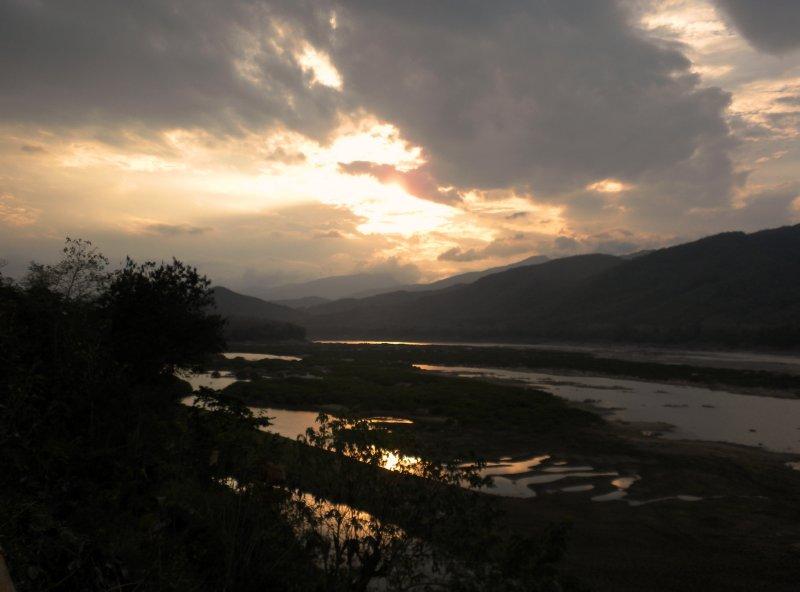 large_mekong_sunset_2.jpg